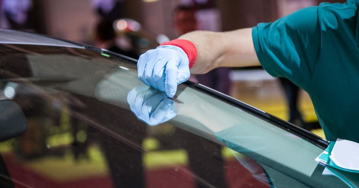 Replacing Your Cracked Windshield